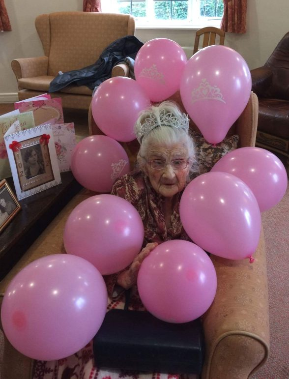 Centenarian celebrates her 102nd birthday at Bromsgrove care home ...