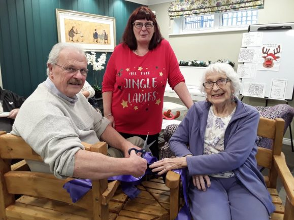 Bromsgrove Men In Sheds Give Town Care Home Beryl S Love